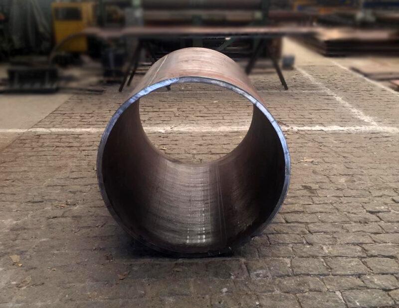 Revestimento do Rolo Compactador utilizado no segmento de pavimentação produzido em aço Hardox.